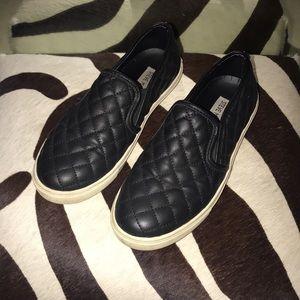 Steve Madden Black Quilted Leather Slip-On's🖤